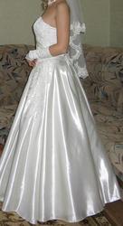 Продам свадебное платье р-р 44-46,  цвет